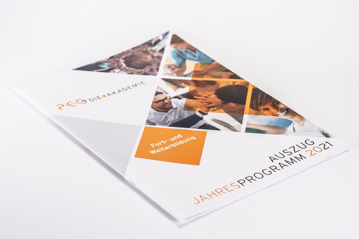 Gestaltung der Titelseite für das Jahresprogramm der PEG.