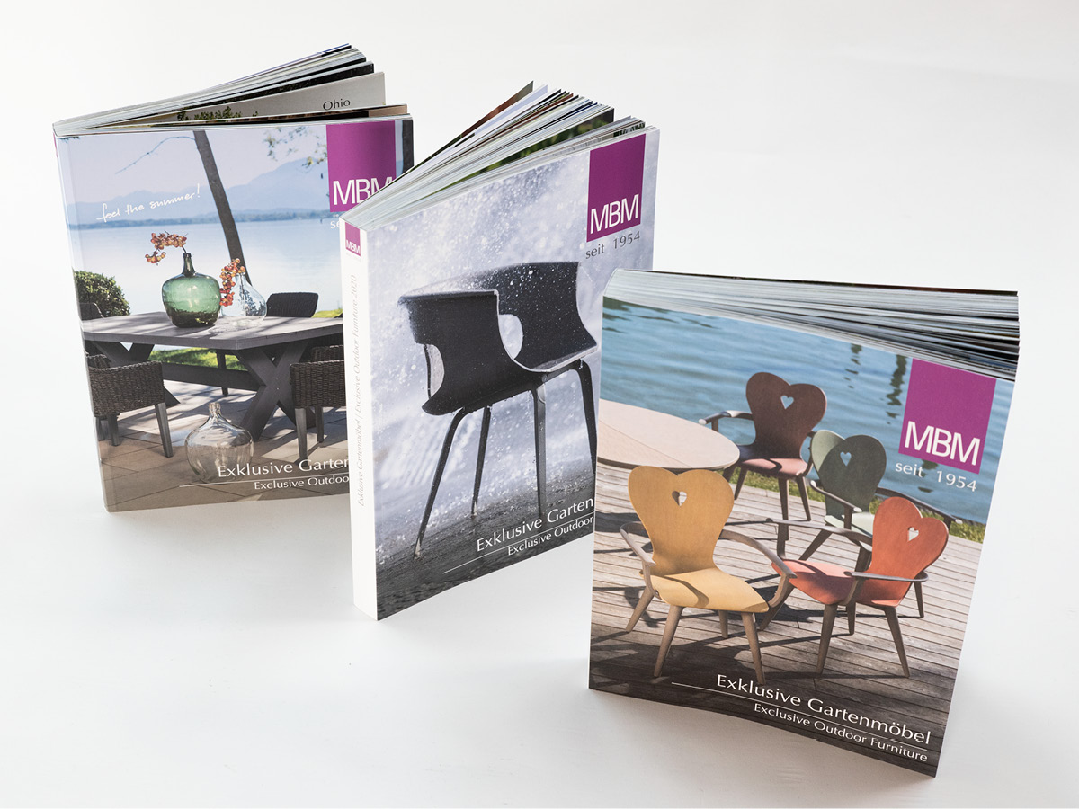 Design der Titelseiten für die Möbelkataloge von MBM.