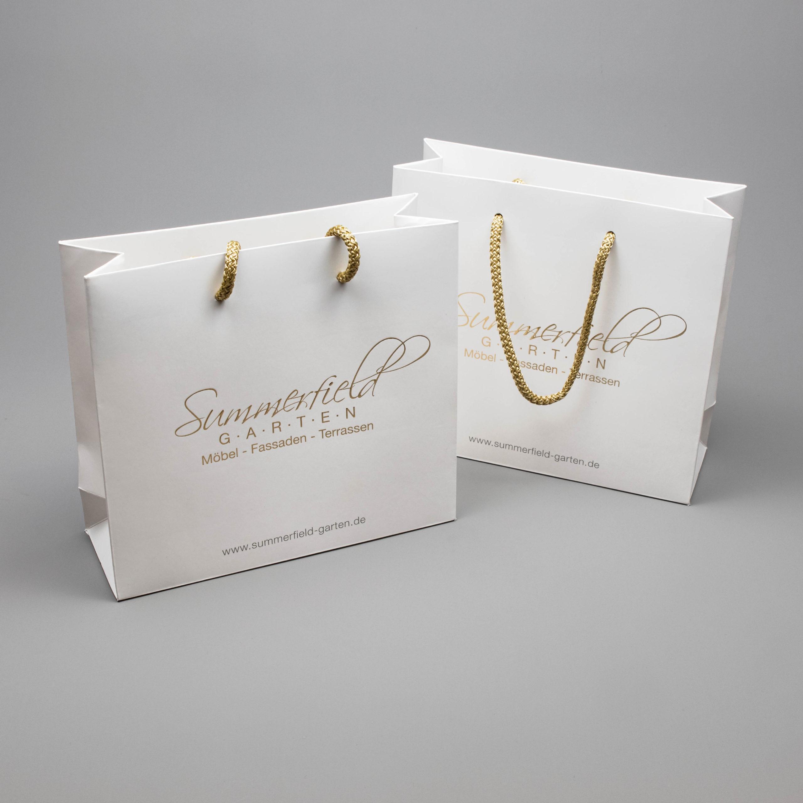Gestaltung einer hochwertigen Papiertasche für Summerfield